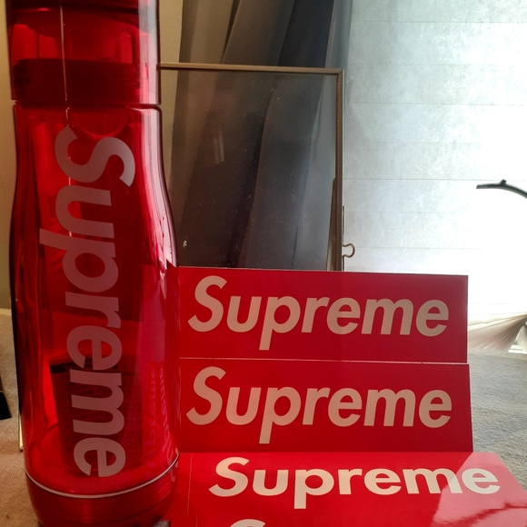 Supreme / Zoku Glass Core 16OZ Bottle